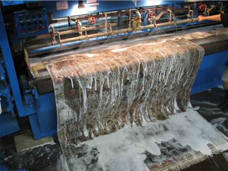 Teppichwäsche mit Maschine